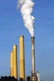 κάπνισμα ισχύος φυτών άνθρα&ka Στοκ εικόνες με δικαίωμα ελεύθερης χρήσης