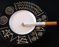 κάπνισμα τσιγάρων Στοκ Εικόνα