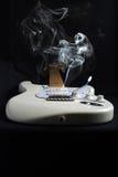 Κάπνισμα Guitar1 Στοκ Φωτογραφίες