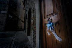 Κάποιος γεννιέται στην παλαιά πόλη Στοκ Φωτογραφίες