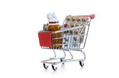 Κάρρο αγορών με τα χάπια Στοκ εικόνα με δικαίωμα ελεύθερης χρήσης