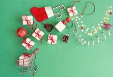 Κάρρο αγορών Χριστουγέννων Στοκ Φωτογραφίες
