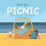Κάρτα ή πρόσκληση πικ-νίκ θερινών παραλιών απεικόνιση αποθεμάτων