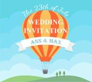 Κάρτα γαμήλιας πρόσκλησης με το πετώντας μπαλόνι ζεστού αέρα διανυσματική απεικόνιση