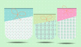 Κάρτα γενεθλίων με τρία δώρα, ρομαντικό σχέδιο Στοκ φωτογραφίες με δικαίωμα ελεύθερης χρήσης