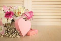 Κάρτα ημέρας λουλουδιών και βαλεντίνων Στοκ Φωτογραφίες