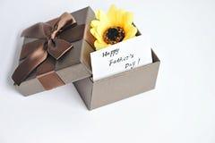 Κάρτα ημέρας πατέρων με με το λουλούδι Στοκ φωτογραφία με δικαίωμα ελεύθερης χρήσης