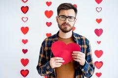 Κάρτα καρδιών εκμετάλλευσης τύπων Στοκ φωτογραφία με δικαίωμα ελεύθερης χρήσης