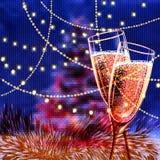 Κάρτα καλής χρονιάς με τα ποτήρια του κρασιού Στοκ Εικόνες