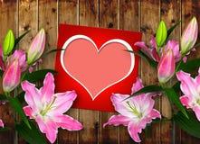 Κάρτα με την καρδιά και το ρόδινο λουλούδι κρίνων Στοκ Εικόνες