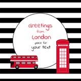 Κάρτα με τη στρογγυλή θέση για το κείμενο ριγωτό με το λεωφορείο και το κλήση-κιβώτιο του Λονδίνου Στοκ εικόνα με δικαίωμα ελεύθερης χρήσης