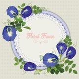 Κάρτα πρόσκλησης ή γάμου με την αφηρημένη floral ανασκόπηση στοκ εικόνες