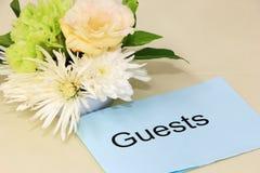Κάρτα φιλοξενουμένων με τα λουλούδια Στοκ Εικόνες