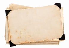 Κάρτα φωτογραφιών με τη μαύρη γωνία. παλαιά βρώμικα φύλλα εγγράφου στοκ φωτογραφίες με δικαίωμα ελεύθερης χρήσης