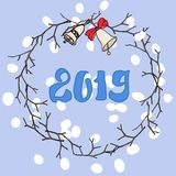 Κάρτα Χαρούμενα Χριστούγεννας Στεφάνι Χριστουγέννων με τα κουδούνια Το διανυσματικό αρχείο διανυσματική απεικόνιση