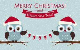Κάρτα Χριστουγέννων με τις χαριτωμένες κουκουβάγιες και μια γιρλάντα επίσης corel σύρετε το διάνυσμα απεικόνισης Στοκ Εικόνα