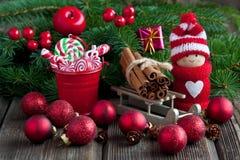 Κάρτα δώρων Χριστουγέννων με τη σύνθεση διακοπών Στοκ φωτογραφία με δικαίωμα ελεύθερης χρήσης