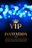 Κάρτα VIP πρόσκλησης με το χρυσό και bokeh το καμμένος υπόβαθρο Κομψό σχέδιο πολυτέλειας ασφαλίστρου απεικόνιση αποθεμάτων
