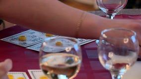 Κάρτες και λαχειοφόρος αγορά σκακιού παιχνιδιού απόθεμα βίντεο