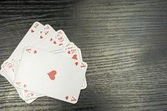 Κάρτες παιχνιδιού στο χρώμα των καρδιών Στοκ φωτογραφία με δικαίωμα ελεύθερης χρήσης