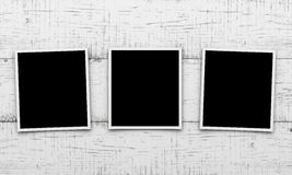 Κάρτες φωτογραφιών στο ξύλινο υπόβαθρο Στοκ εικόνα με δικαίωμα ελεύθερης χρήσης