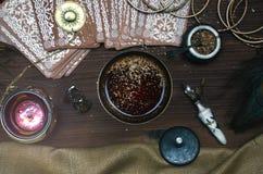 κάρτες tarot Αφηγητής τύχης divination στοκ φωτογραφίες