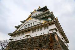 κάστρο Ιαπωνία Οζάκα Βροχερός συννεφιάζω ουρανός Στοκ Φωτογραφίες
