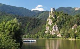 Κάστρο καταστροφών Strecno στοκ εικόνα με δικαίωμα ελεύθερης χρήσης