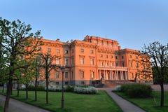 Κάστρο μηχανικών Mikhailovsky από τον ποταμό Fontanka στο sunse Στοκ Εικόνα