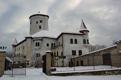 Κάστρο παραμυθιού το χειμώνα, Budatin, Σλοβακία Στοκ Φωτογραφία