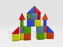 Κάστρο πύργων από τα τούβλα παιχνιδιών που απομονώνονται στο λευκό Στοκ φωτογραφία με δικαίωμα ελεύθερης χρήσης