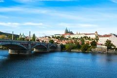 Κάστρο της Πράγας και γέφυρα Μάιν Στοκ Εικόνα
