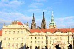 Κάστρο της Πράγας με τον καθεδρικό ναό του ST Vithus Στοκ Εικόνες