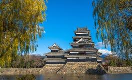Κάστρο του Ματσουμότο, εθνικός θησαυρός της Ιαπωνίας Στοκ φωτογραφία με δικαίωμα ελεύθερης χρήσης