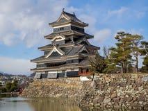 Κάστρο του Ματσουμότο το καλοκαίρι, πόλη του Ματσουμότο, Ναγκάνο, Ιαπωνία Στοκ Φωτογραφία