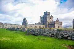 Κάστρο φλούδας εσωτερικών καθεδρικών ναών Αγίου Πάτρικ στην πόλη φλούδας στο Isle of Man Στοκ Εικόνες