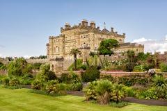 Κάστρο Calzean και ανθίζοντας κήπος στη Σκωτία, UK Στοκ Εικόνες