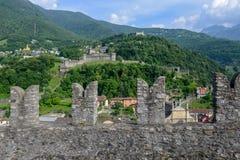 Κάστρο Castelgrande στη Μπελιντζόνα στα ελβετικά όρη στοκ εικόνες