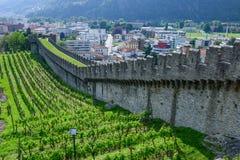 Κάστρο Castelgrande στη Μπελιντζόνα στα ελβετικά όρη στοκ εικόνα