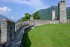 Κάστρο Castelgrande στη Μπελιντζόνα στα ελβετικά όρη στοκ φωτογραφία