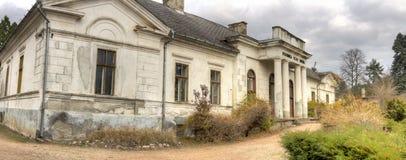 Κάστρο Gyulay στο πάρκο δενδρολογικών κήπων Simeria, Ρουμανία στοκ εικόνα