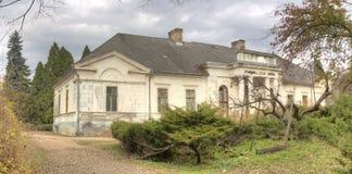 Κάστρο Gyulay στο πάρκο δενδρολογικών κήπων Simeria, Ρουμανία στοκ εικόνες