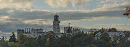 Κάστρο NAD Vltavou Hluboka στο χρόνο φθινοπώρου Στοκ εικόνες με δικαίωμα ελεύθερης χρήσης