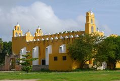 Κάτοικος αποικίας του Μέριντα καθεδρικών ναών εκκλησιών του Μεξικού Στοκ εικόνες με δικαίωμα ελεύθερης χρήσης