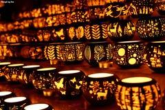 Κάτοχοι κεριών που τακτοποιούνται για την πώληση Στοκ Φωτογραφίες