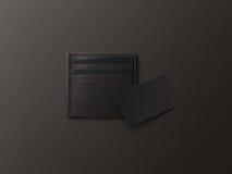 Κάτοχος καρτών δέρματος με την κενή μαύρη χλεύη εγγράφου επάνω Στοκ Εικόνες