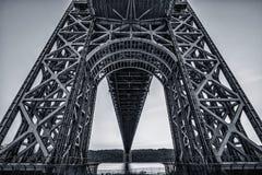 Κάτω από τη γέφυρα του George Washington στοκ εικόνες