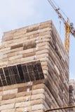 Κάτω από τον ουρανοξύστη κατασκευής στοκ φωτογραφία