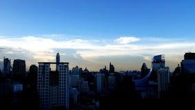 Κάτω από τον ουρανό blueness στοκ φωτογραφία με δικαίωμα ελεύθερης χρήσης