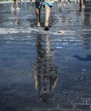 κάτω από το περπάτημα Στοκ φωτογραφίες με δικαίωμα ελεύθερης χρήσης